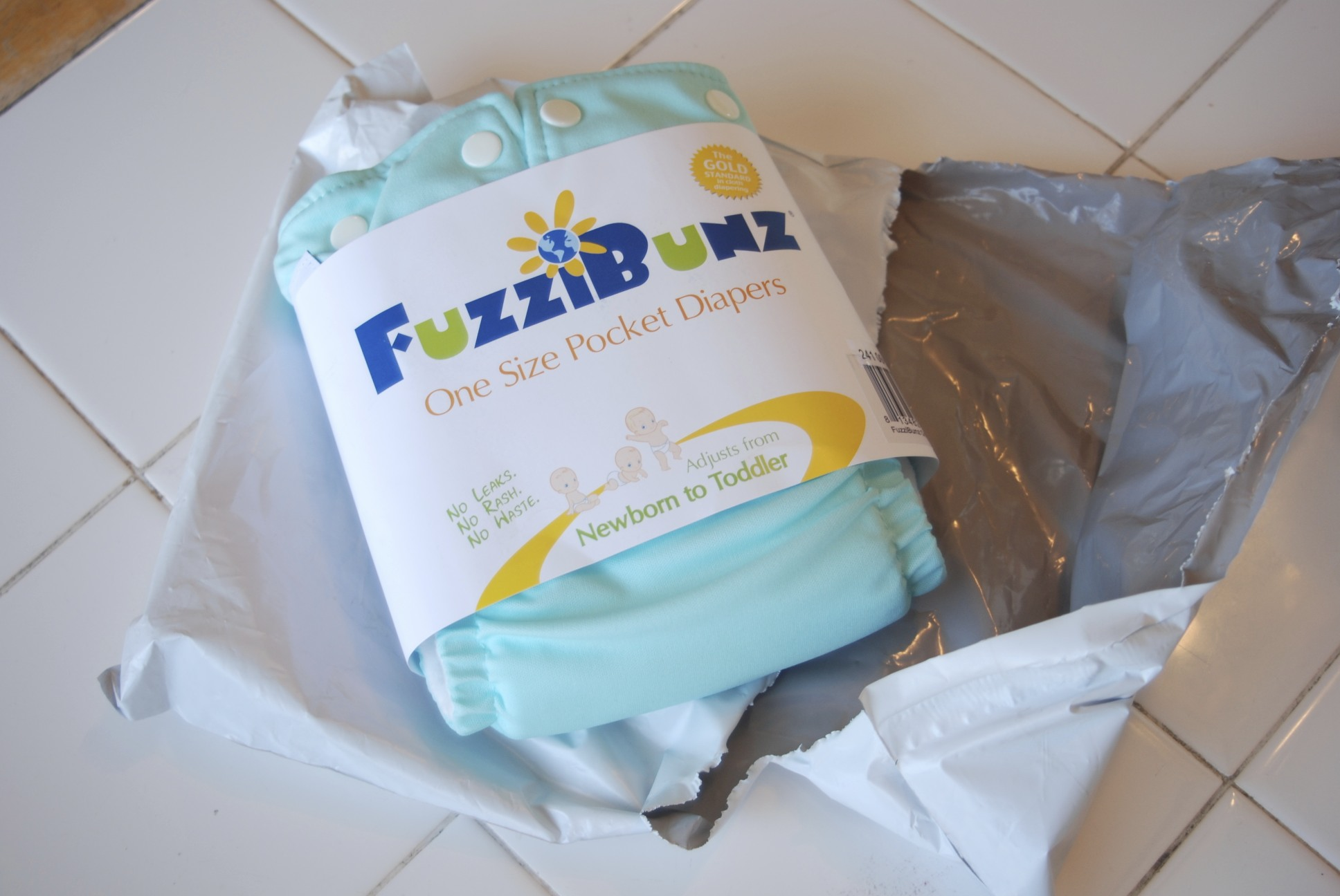 cloth diapers,fuzzi bunz