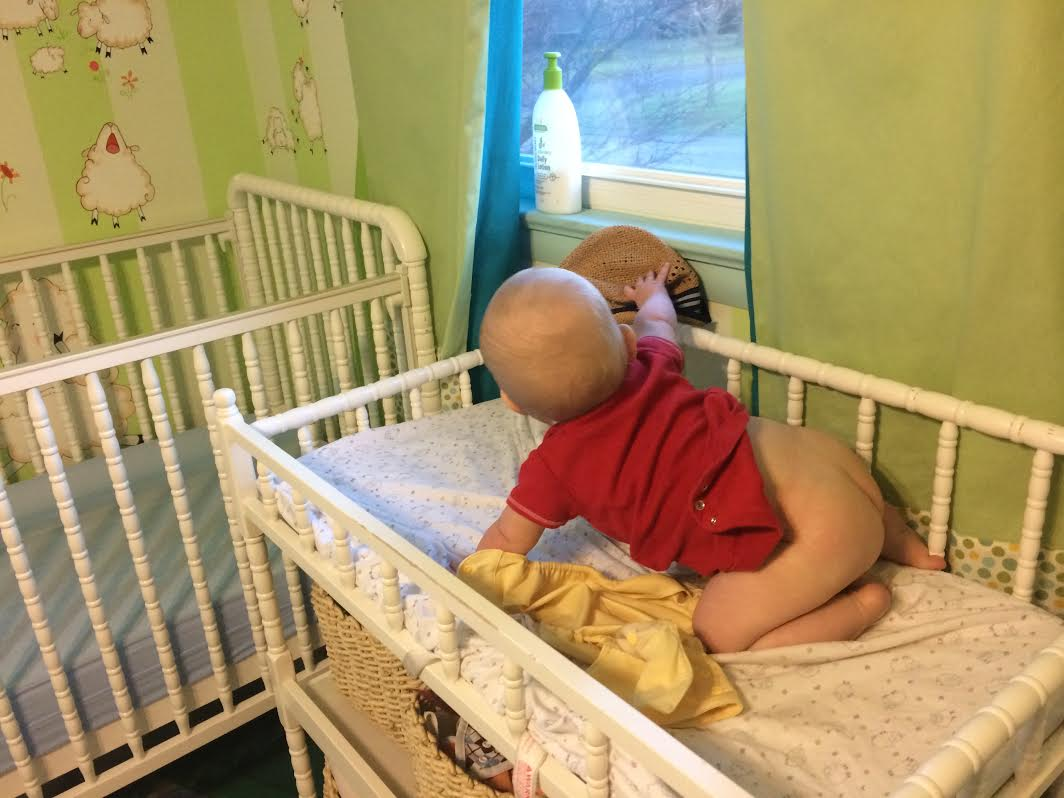 tips for occupying a wiggly baby during diaper changes